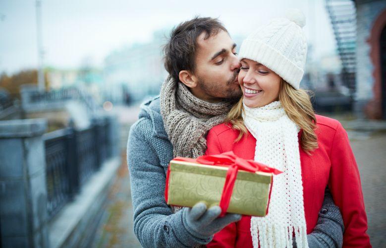 Как получить от мужчины подарок, который вы хотите
