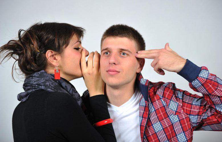 Почему мужчины упрекают женщин в пустой болтовне